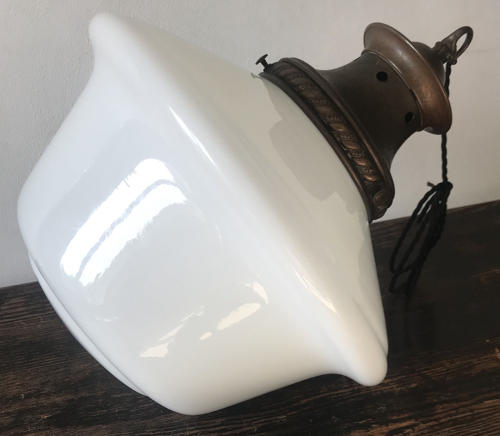 OPALINE PENDANT LIGHT