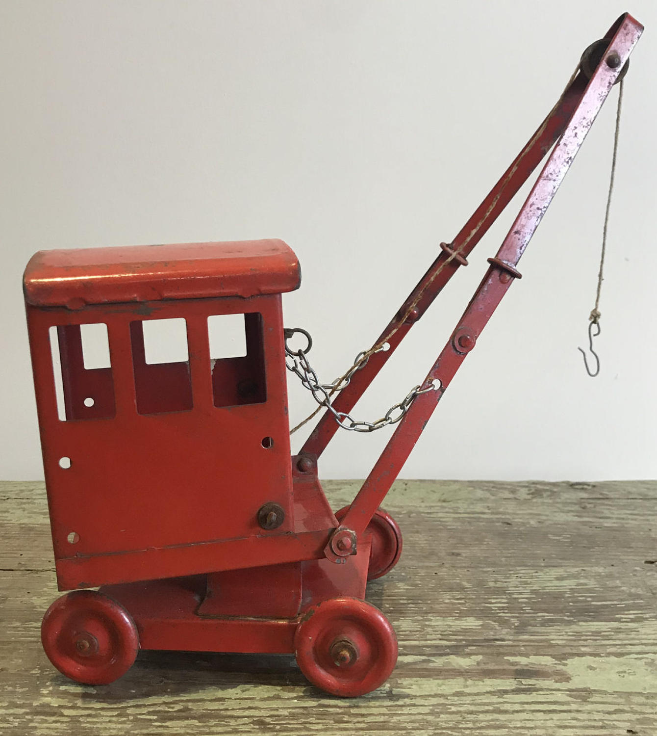1930'S TRIANG TOY CRANE