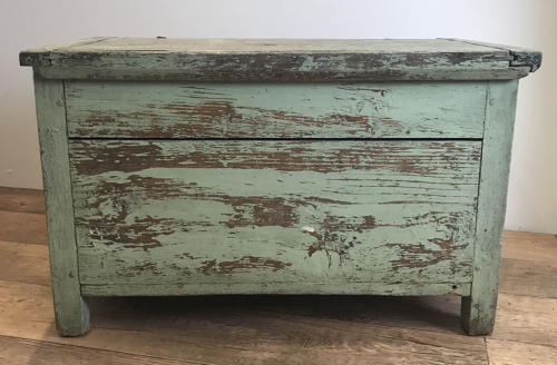 19TH CENTURY PAINTED TRUNK