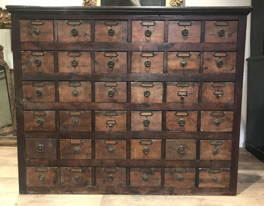 VICTORIAN BANK OF DRAWERS