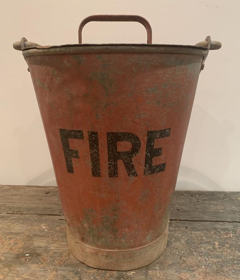 VINTAGE METAL FIRE BUCKET