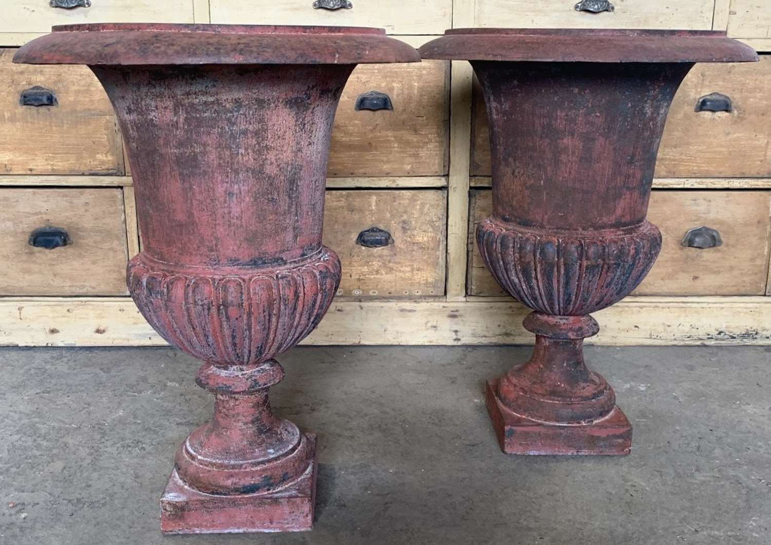 LARGE PAIR OF MEDICI URNS
