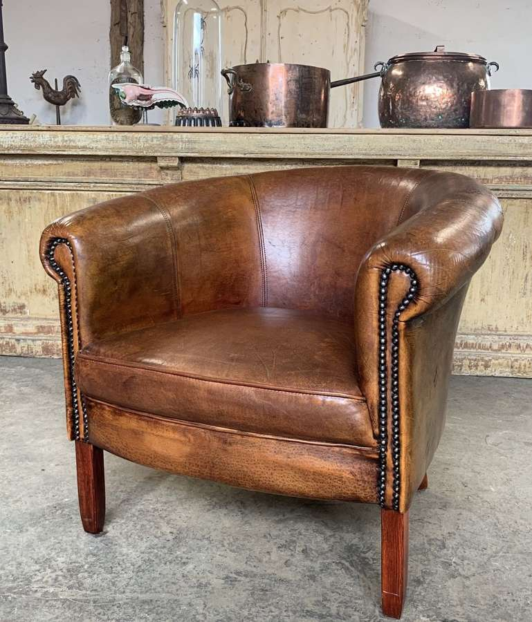 SMALL LEATHER TUB CHAIR