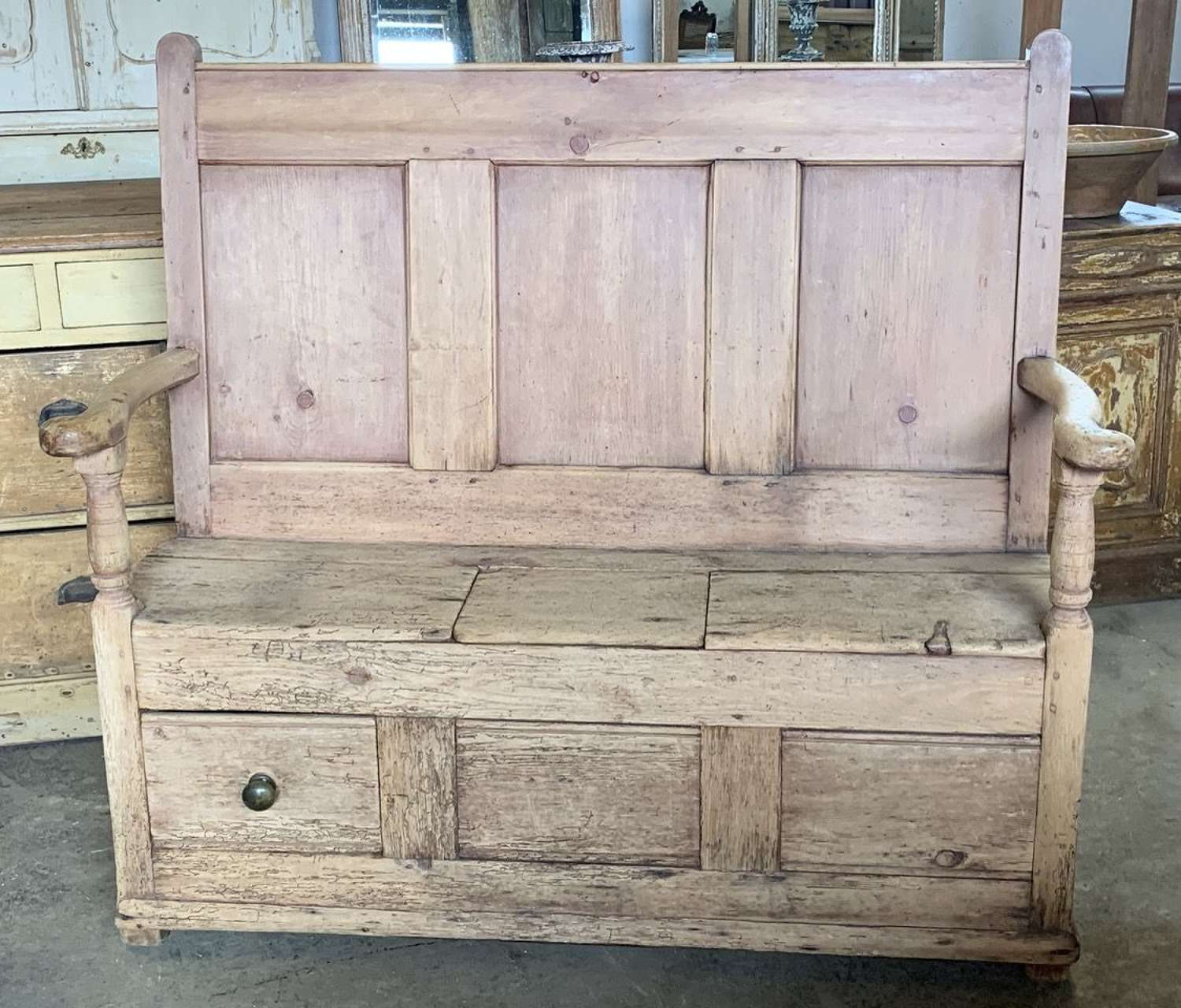19th CENTURY WELSH BOX SETTLE