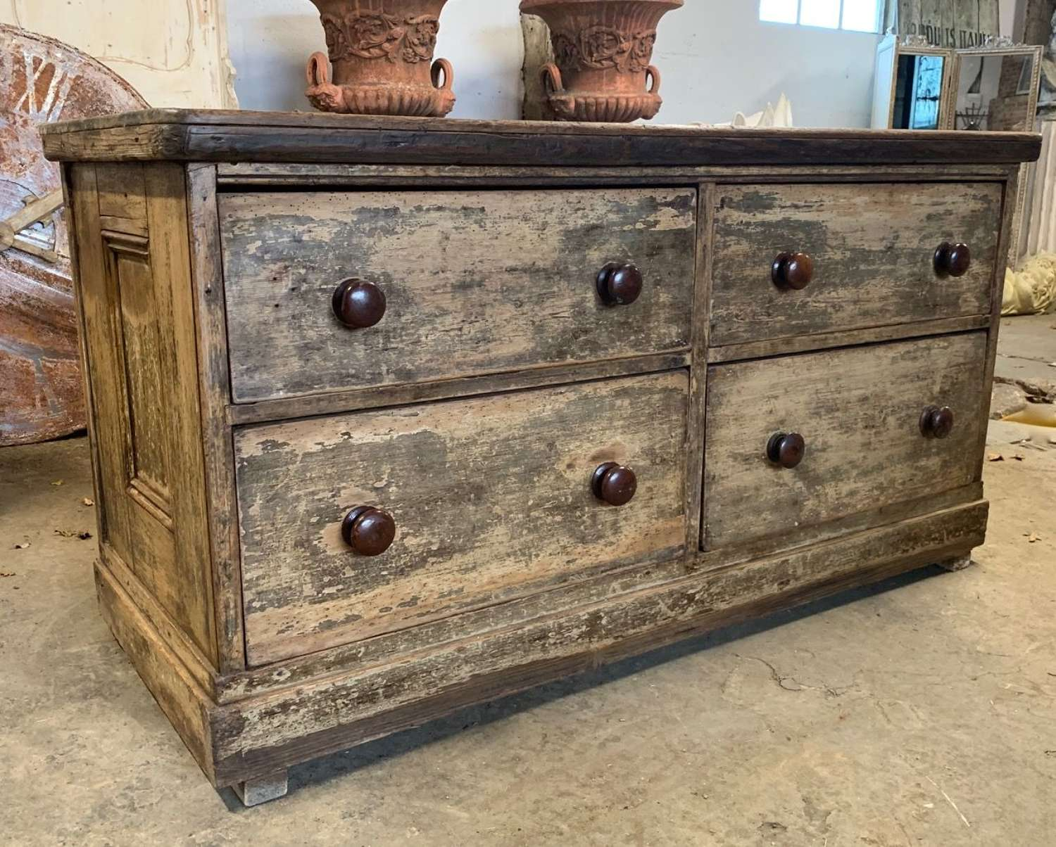 ENGLISH COUNTRY HOUSE DRAWERS