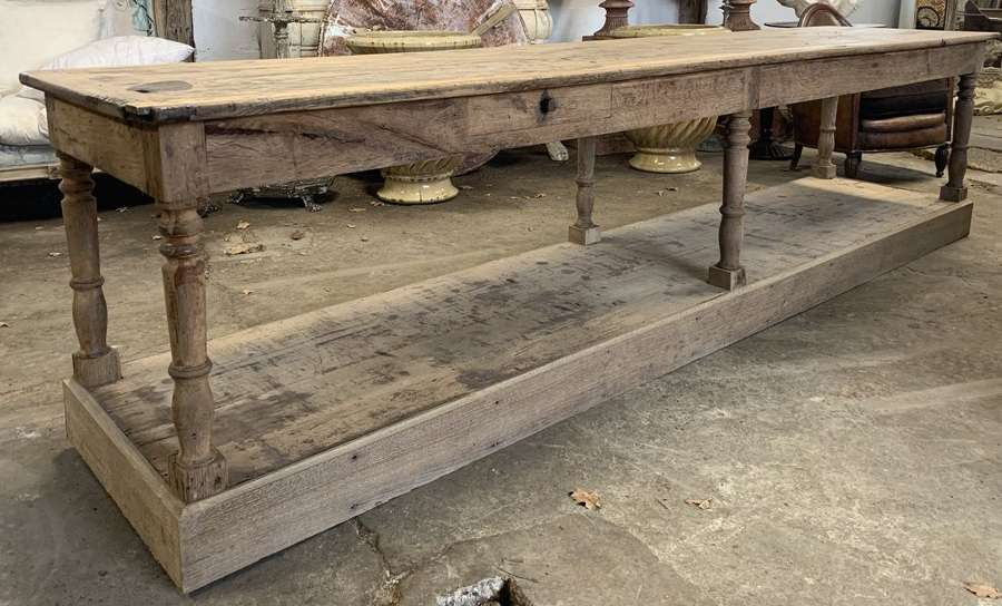 LARGE FRENCH OAK DRAPERS TABLE