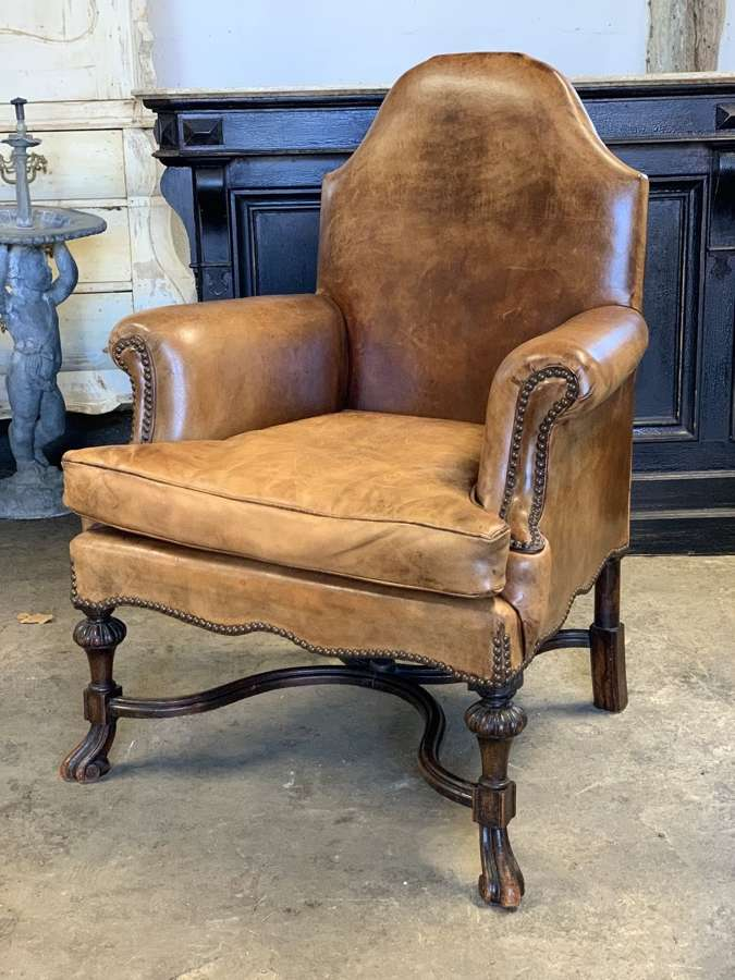 WILLIAM & MARY STYLE LEATHER ARMCHAIR