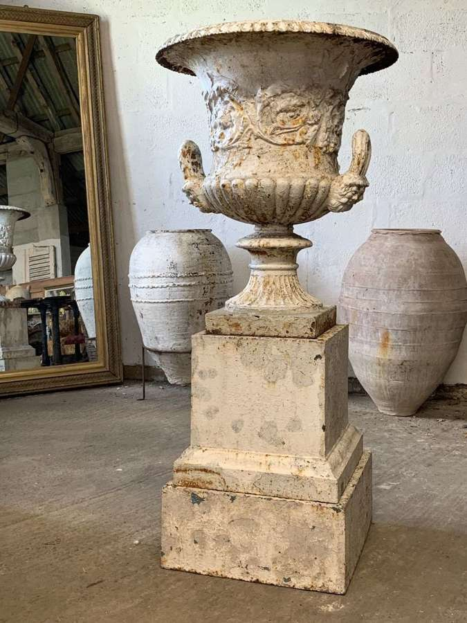LARGE 19TH CENTURY HANDYSIDE CAST IRON URN