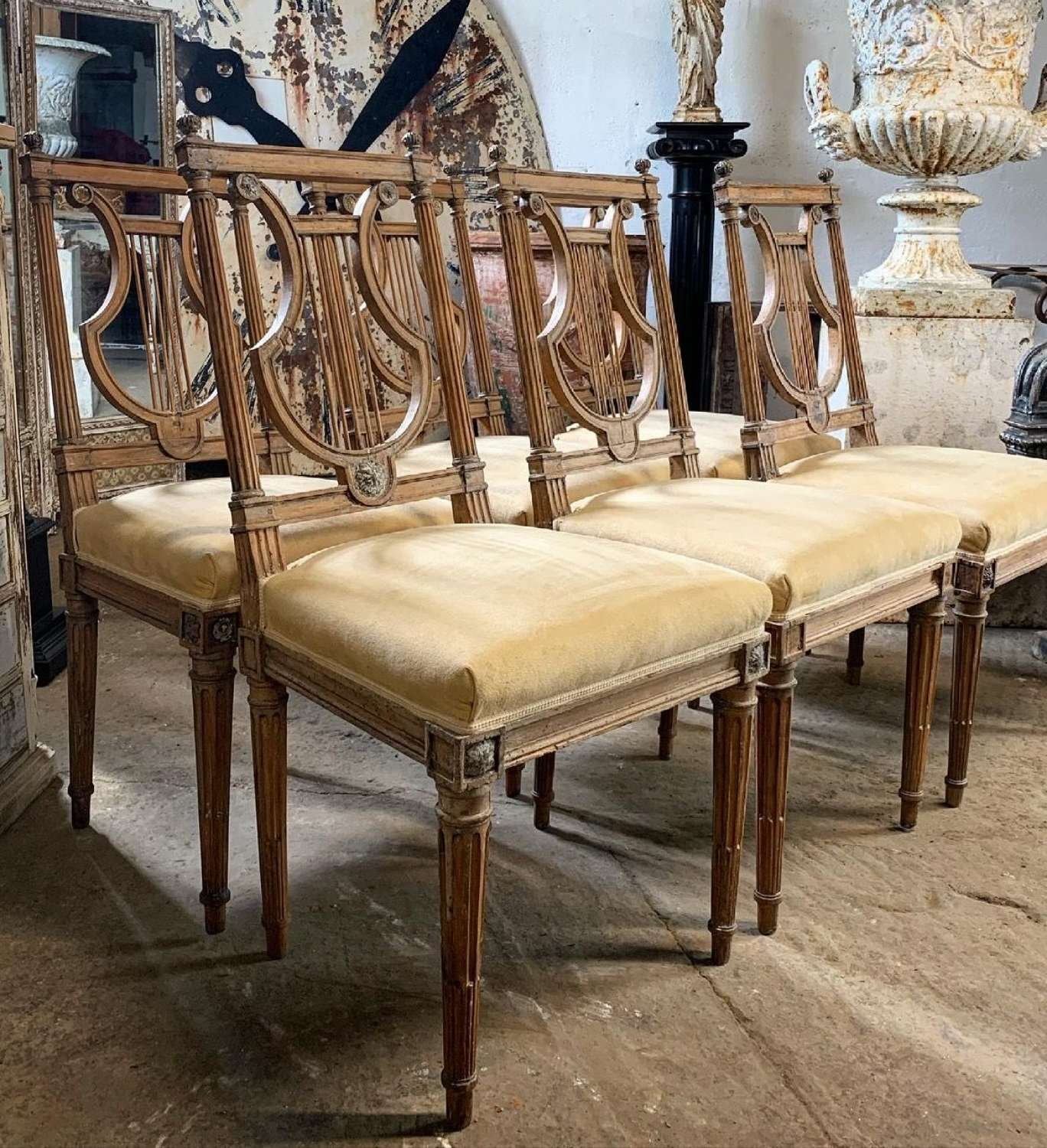 18TH CENTURY FRENCH LOUIS XVI LYRE BACK DINNING CHAIRS