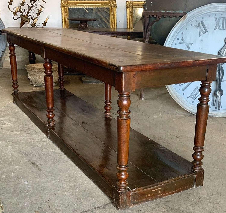 19TH CENTURY WALNUT DRAPERS TABLE